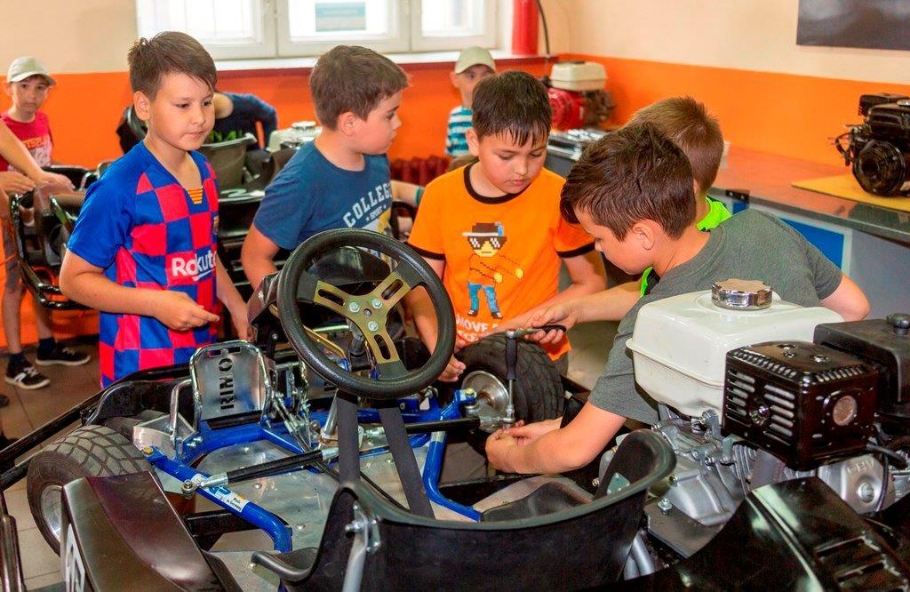 «Школа будущего» при поддержке «КАМАЗа»