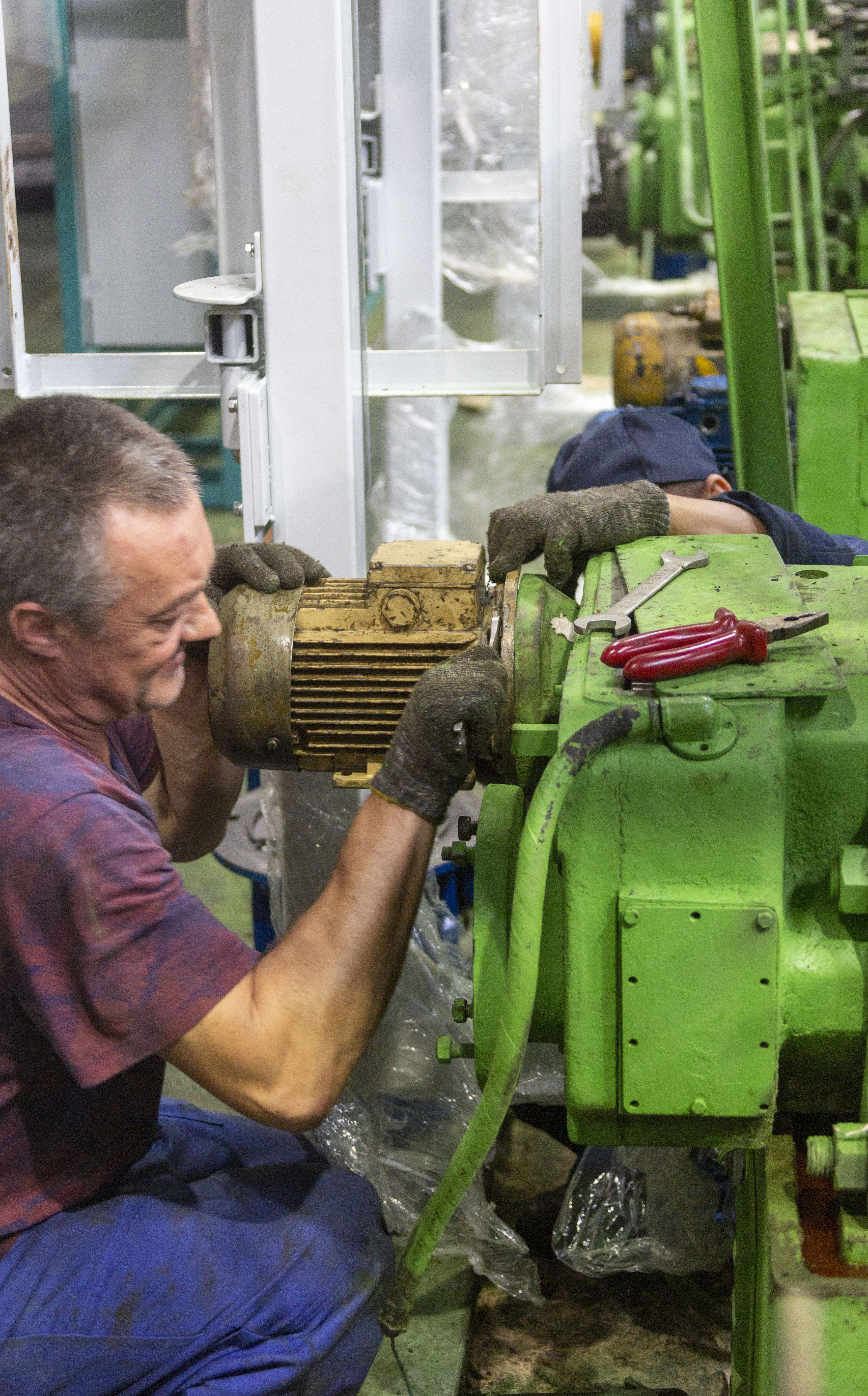 Ремонт оборудования на автомобильном заводе «КАМАЗа»