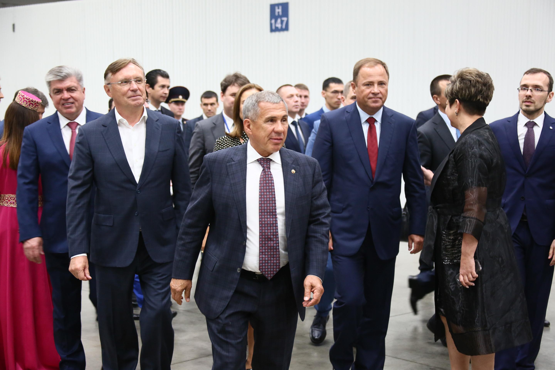Игорь Комаров и Рустам Минниханов посетили юбилей КИП «Мастер»