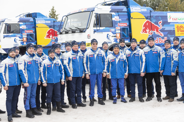 Грузовики «КАМАЗ-мастер» отправились на «Дакар»