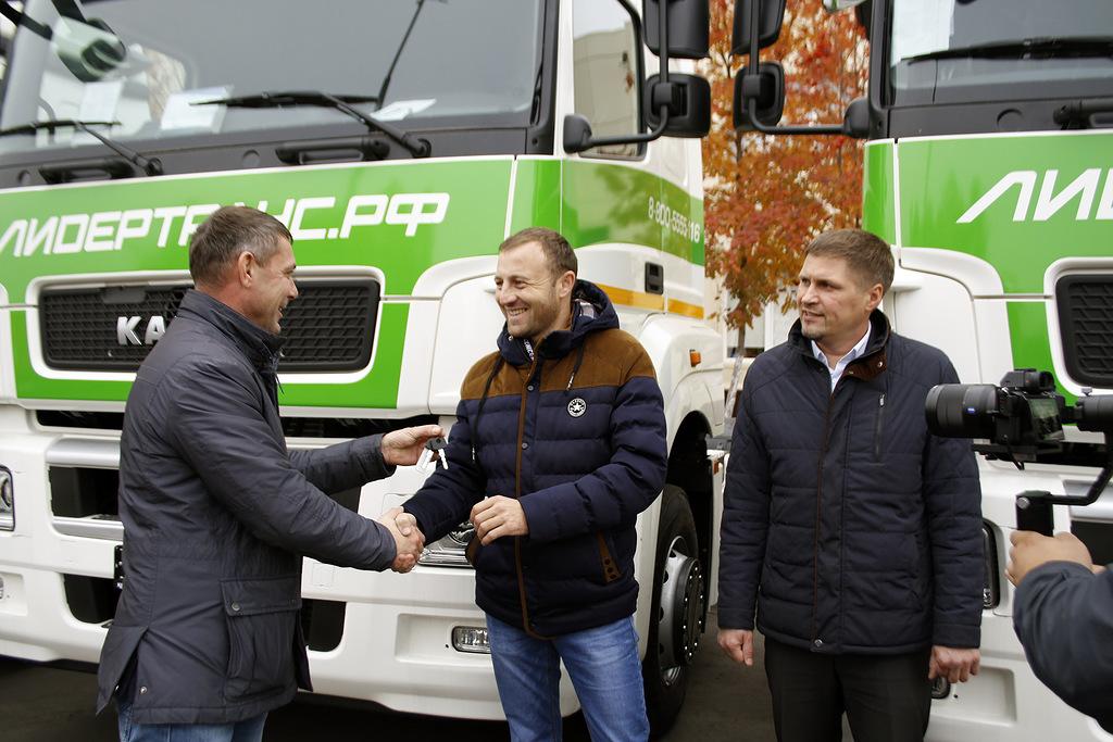 Автомобили КАМАЗ-5490 NEO для «Лидер Транс»