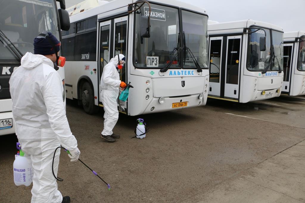 На «КАМАЗе» оценили организацию работ по дезинфекции салонов городских автобусов
