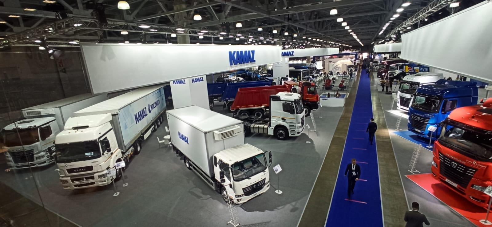 Топ-менеджеры «КАМАЗа» на выставке Comtrans-2021