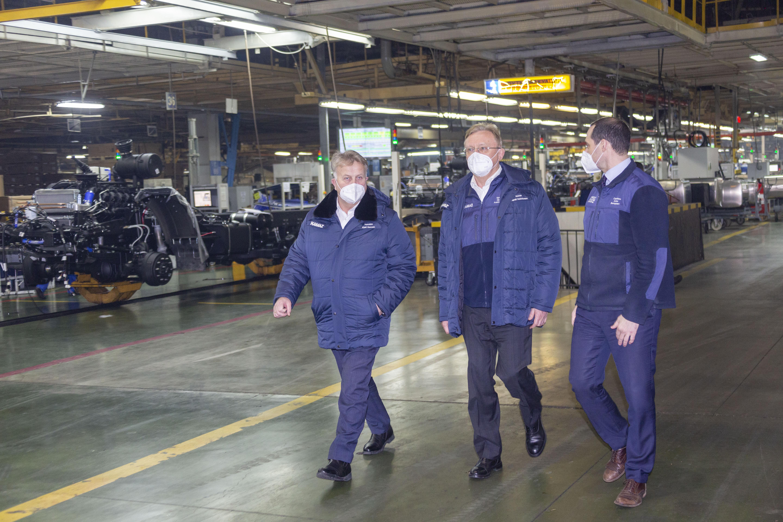 Генеральный директор «КАМАЗа» посетил автомобильный завод
