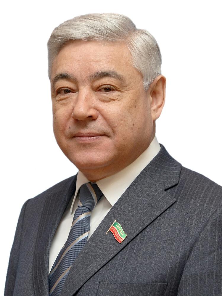 Председатель Государственного Совета Татарстана поздравил команду «КАМАЗ-мастер» с победой в ралли «Дакар-2021»