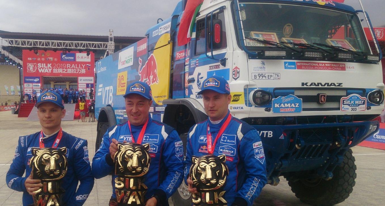 Экипаж Антона Шибалова выиграл ралли «Шёлковый путь»!