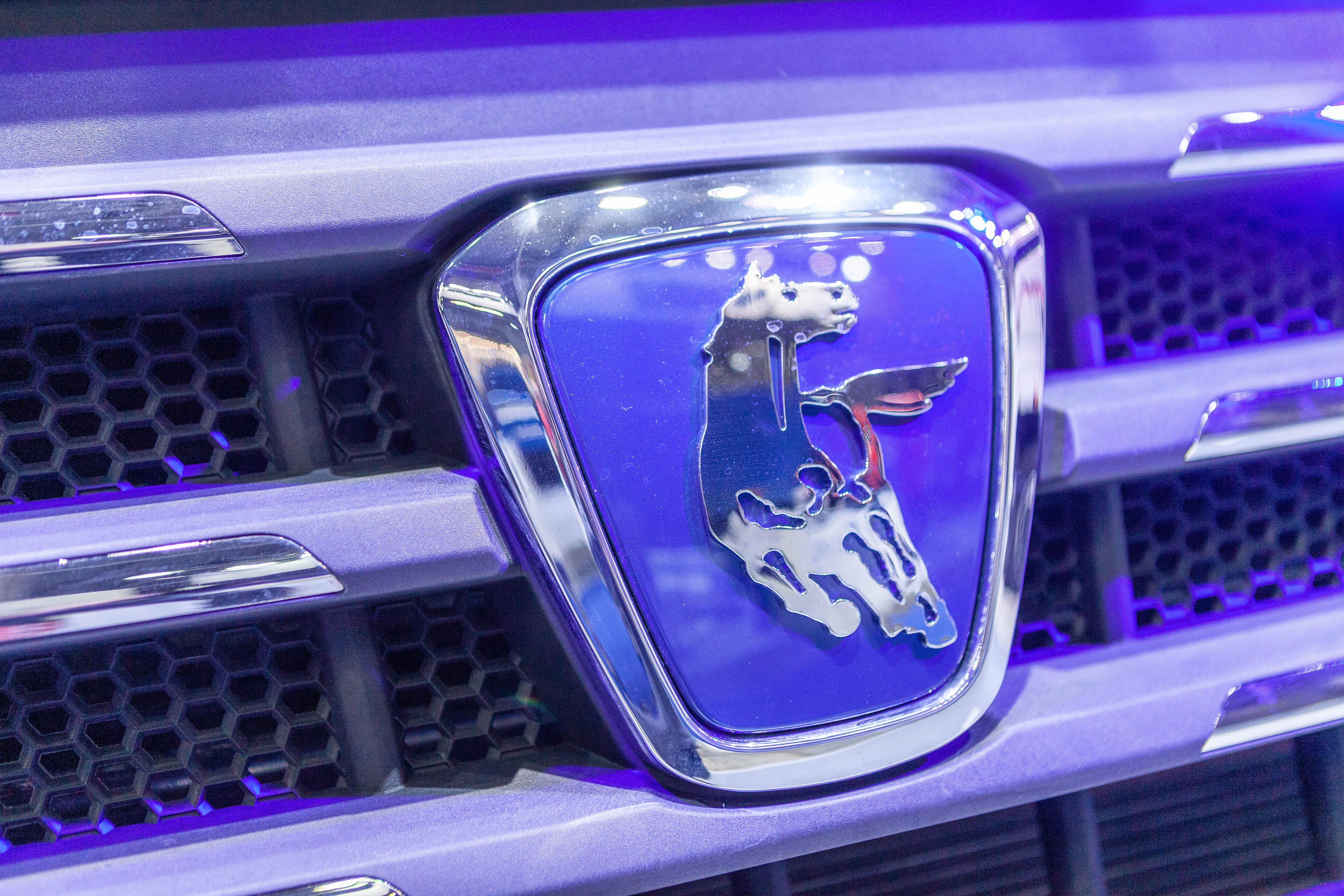 «КАМАЗ» выпустил первые грузовики на СПГ с двумя криобаками