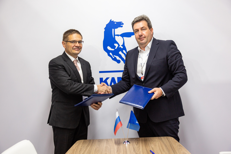 «КАМАЗ» и «ЗСТ» подписали соглашение о сотрудничестве