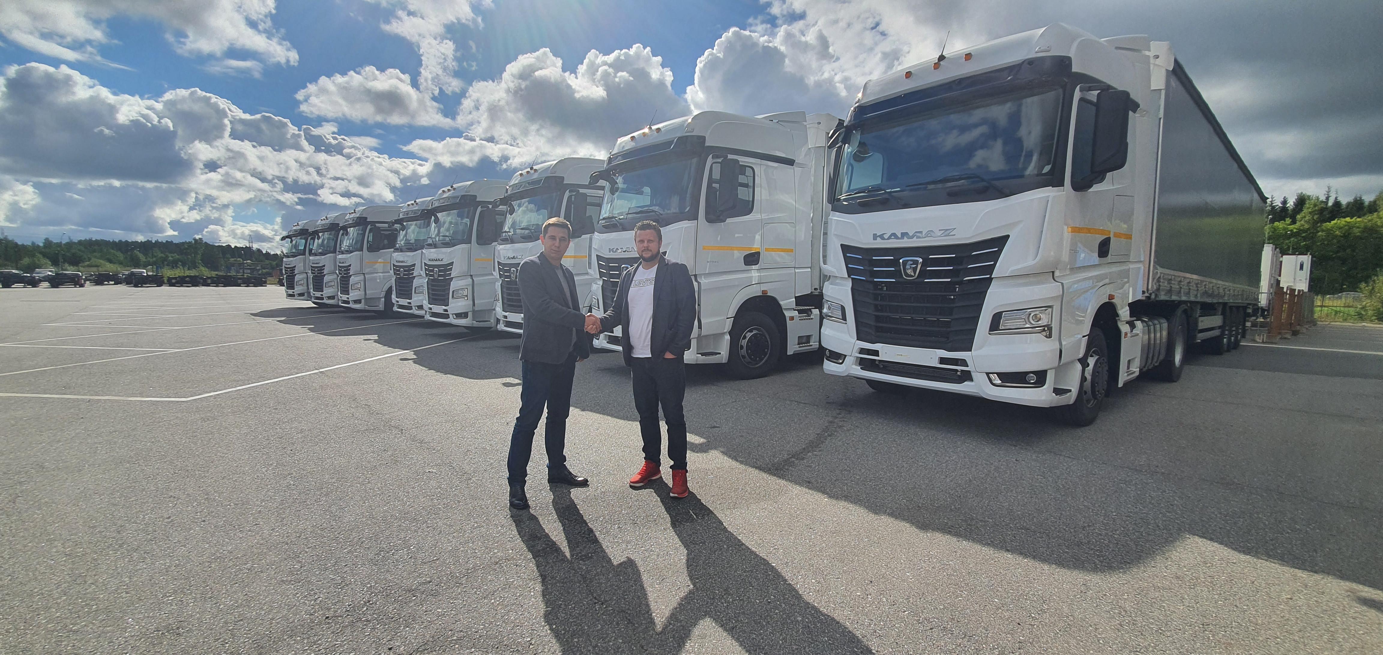 Магистральные тягачи КАМАЗ в лизинг для перевозчика из Санкт-Петербурга