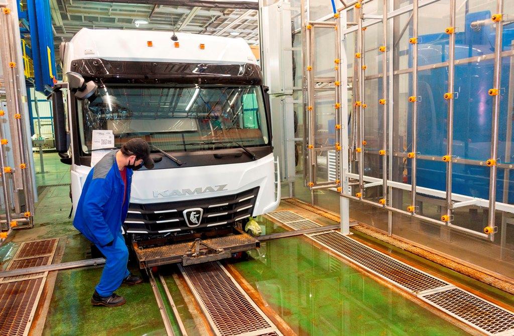 На автомобильном заводе запущена новая дождевальная камера