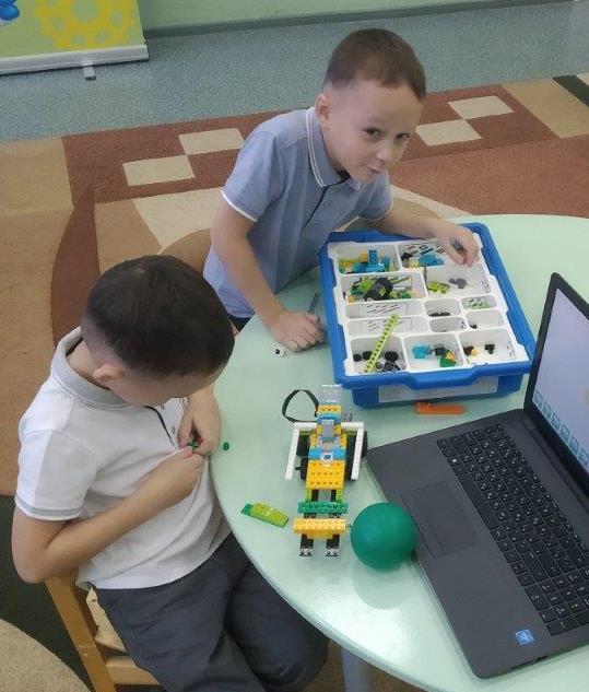 Визит в детский сад накануне юбилея «КАМАЗа»