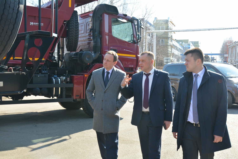 Руководитель Администрации Главы Башкортостана посетил «НЕФАЗ»