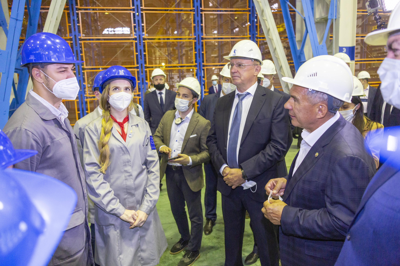Президент Татарстана протестировал КАМАЗ-54901 и пообщался с камазовцами