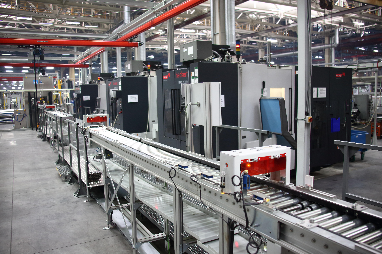 Новая линия обработки головки блока цилиндров завода КАМАЗ