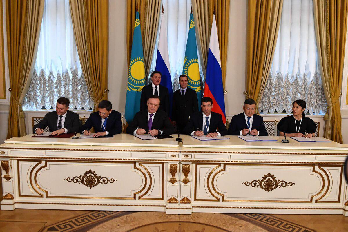 Подписано cоглашение о сотрудничестве в сфере производства автокомпонентов и техники КАМАЗ в Казахстане