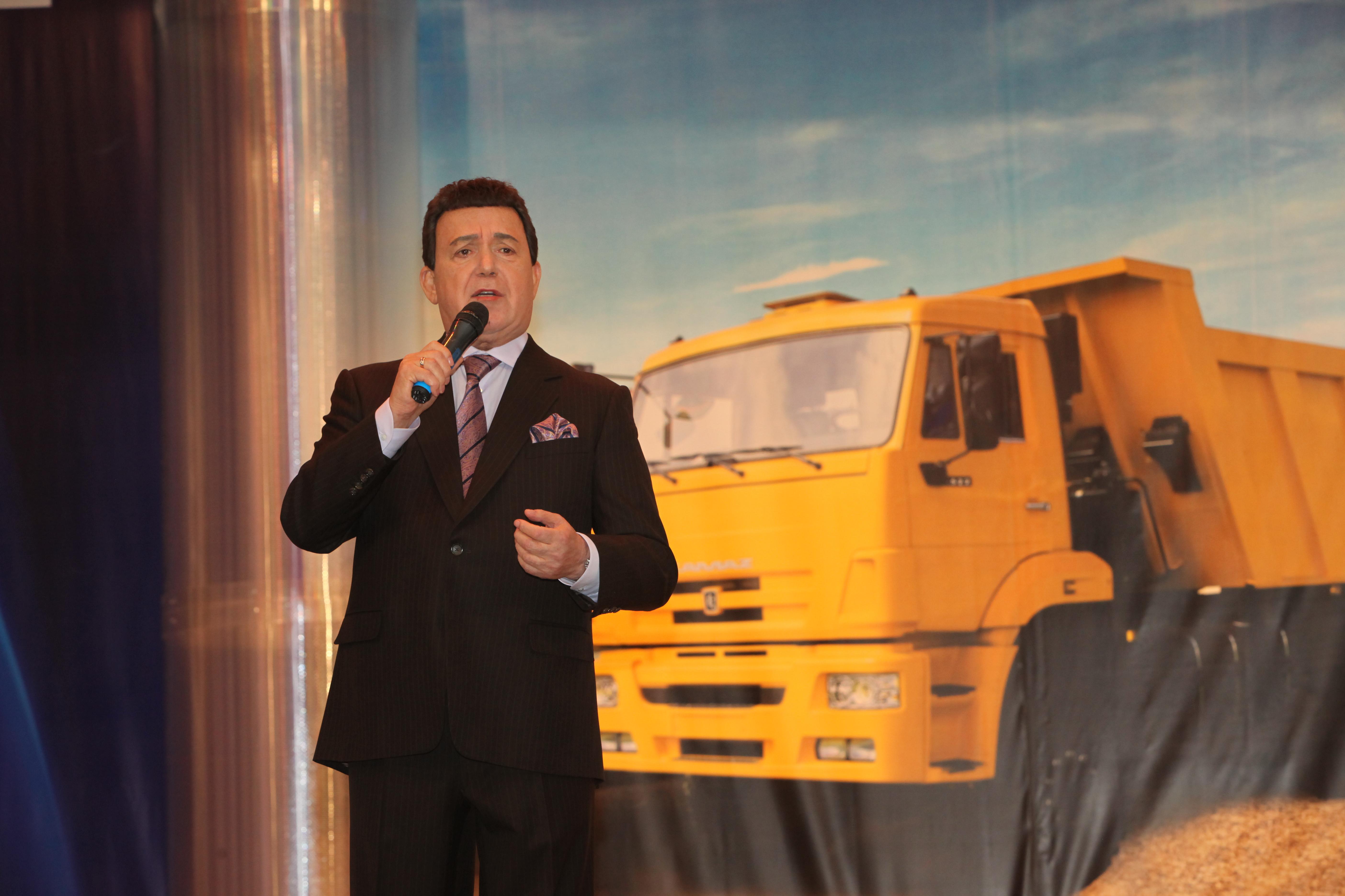 Генеральный директор «КАМАЗа» выразил соболезнование  семье Иосифа Кобзона