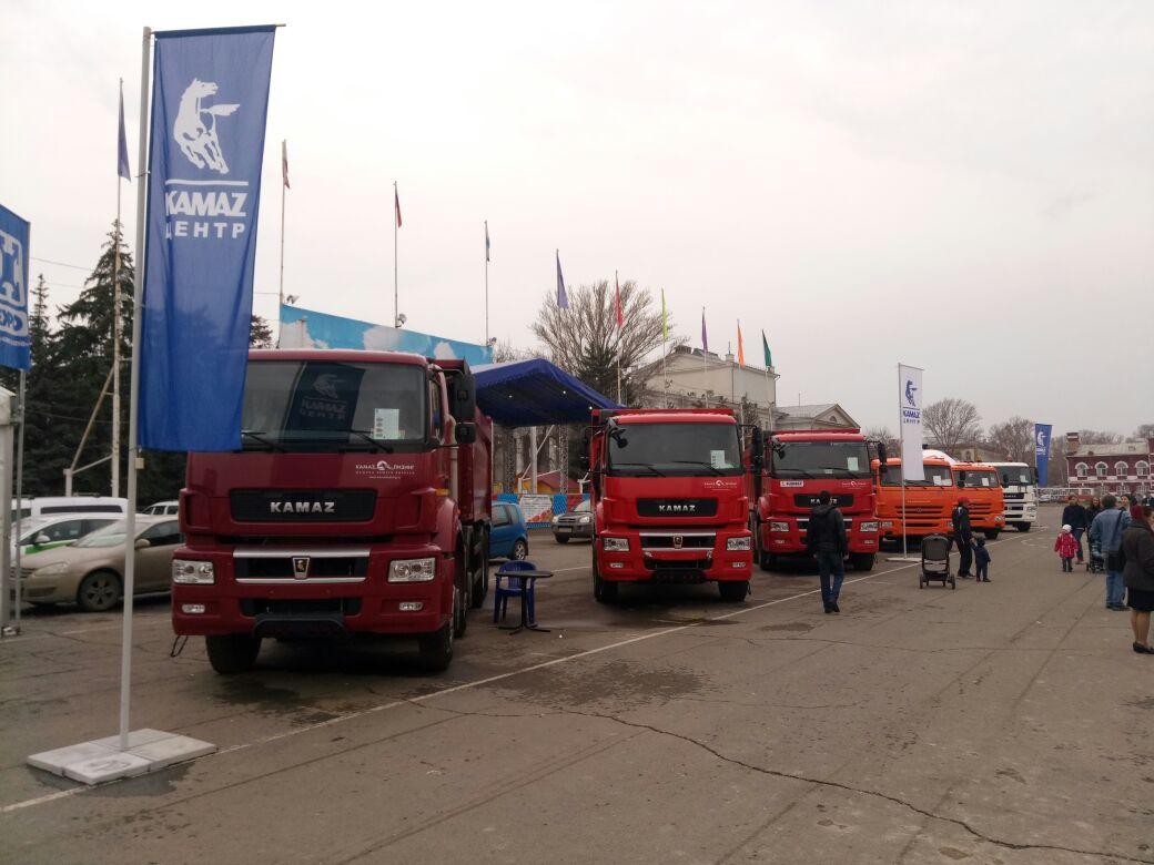 Автотехника КАМАЗ на выставке в Саратове