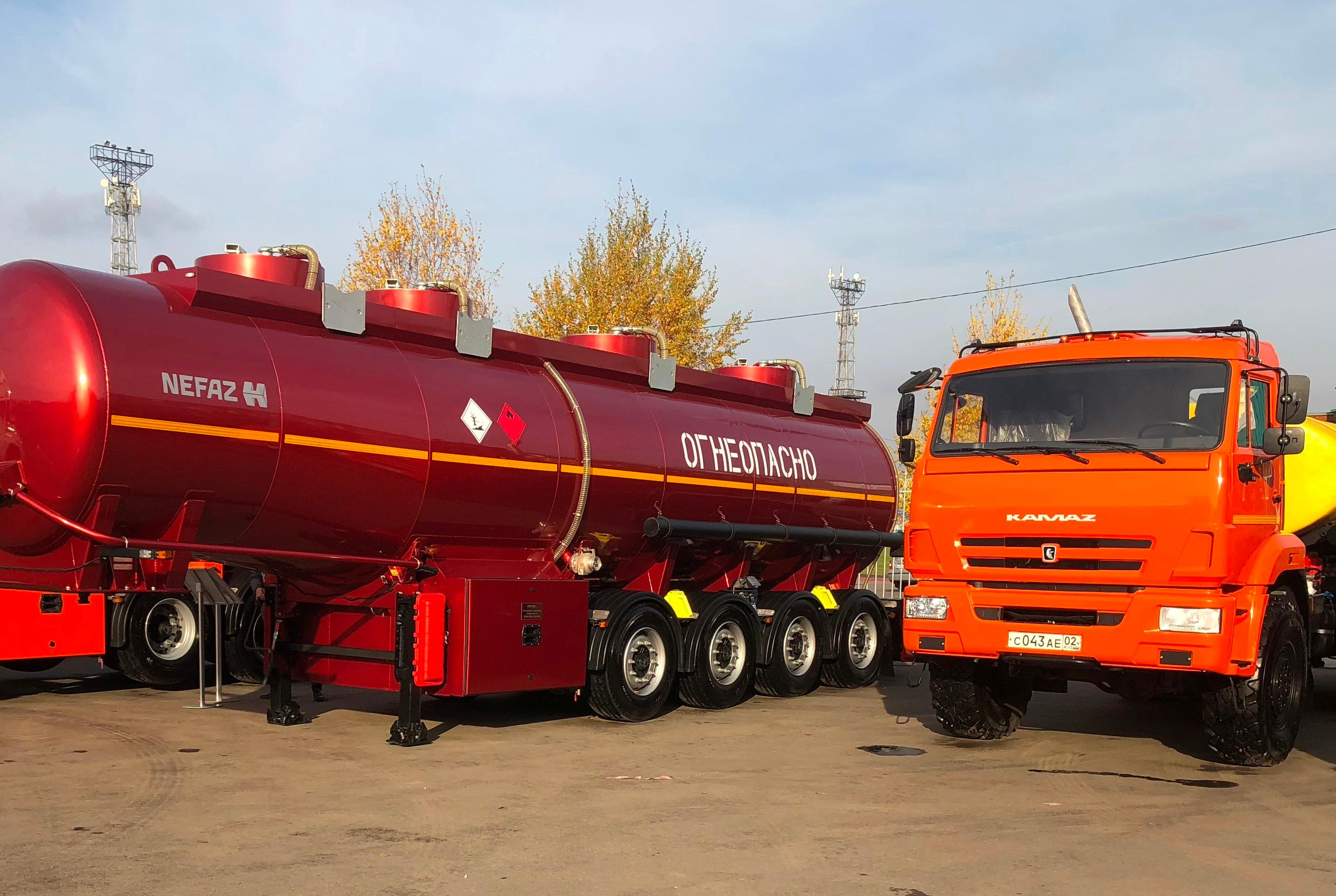 Автотехника КАМАЗ на выставке в Альметьевске